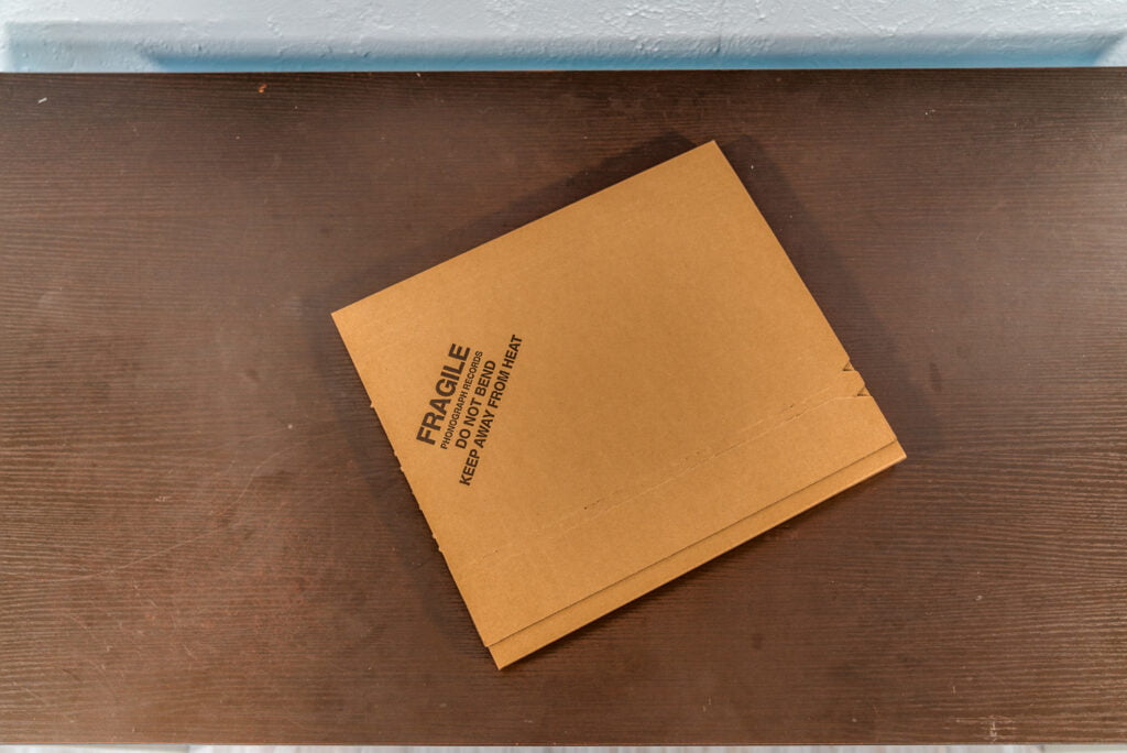 TwisterBox, the best non-glue vinyl record shipping box. Folds easily in seconds and has double-layer and crush-proof design. Made in the Pacific Northwest, United States.